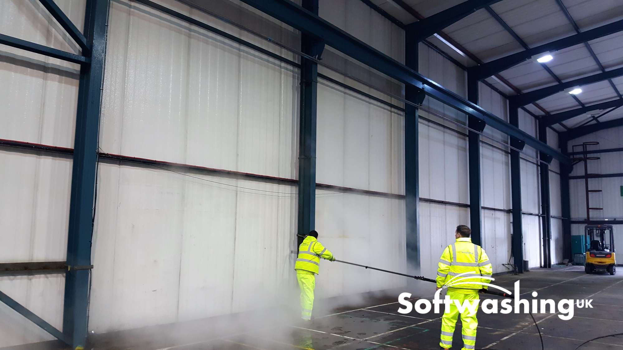 Softwashing uk industrial cladding concrete cleaning for Industrial concrete cleaner